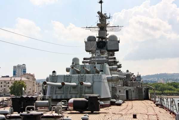 Июльский Новороссийск, жара, корабли и море