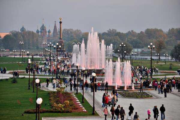 Ярославль летом. Не самые известные, но интересные места города, а также зоопарк и пляжи Ярославля