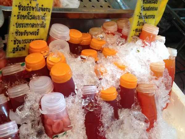 Свежевыжатый сок. Паттайя. Рынок