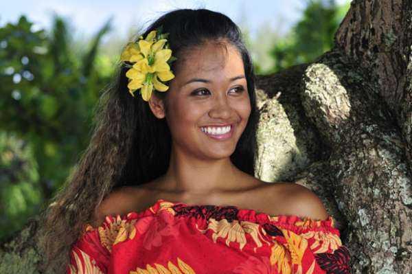 девушки на Таити