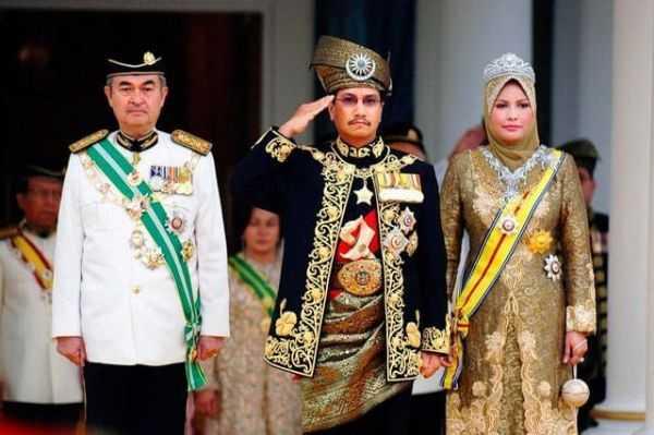 малайзия монархия