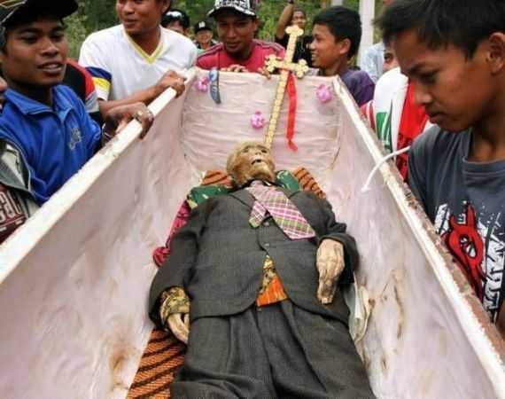 похороны на Сулавеси