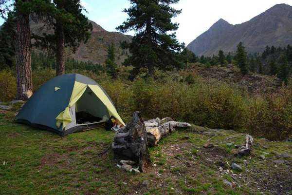 Куда поехать летом отдохнуть с палатками на Урале?