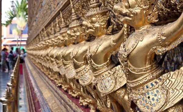 korolevskij-dvorec-v-bangkoke-11