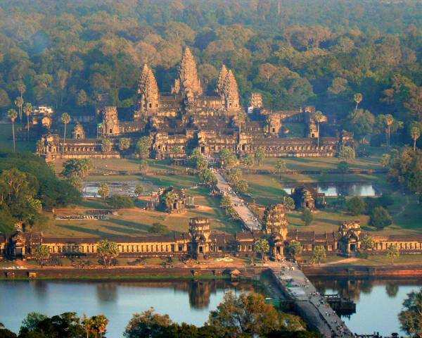 Как попасть в древний Ангкор Ват?