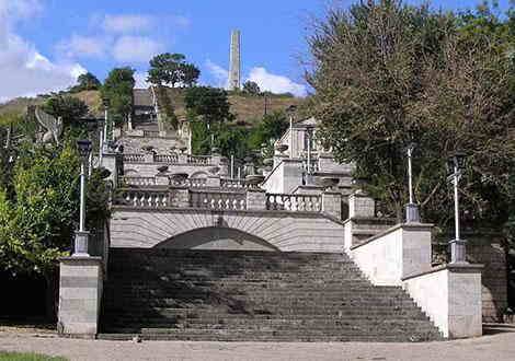 памятники Керчи