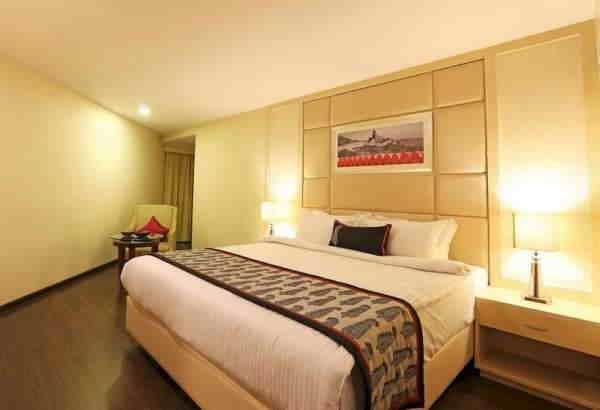 номер в Golden Tulip Hotel Jaipur