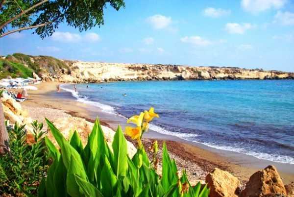 Стоит ли отправляться отдыхать на Кипр весной