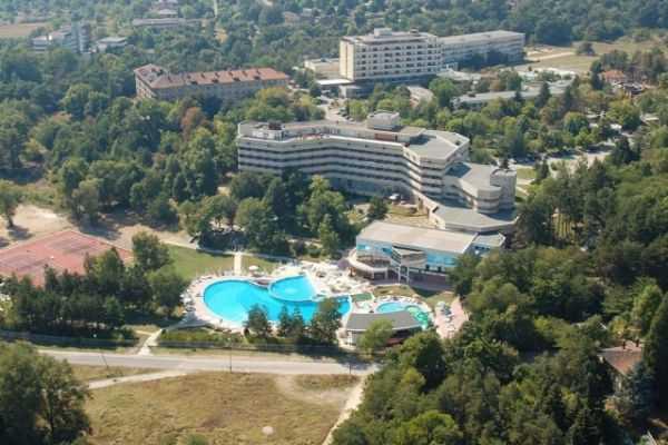 Отдых на геотермальных источниках в Хисаря, Болгария