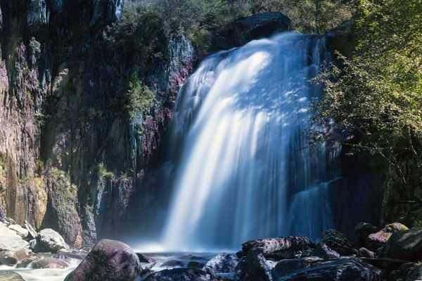 Водопад Корбу - одна из главных достопримечательностей Телецкого озера