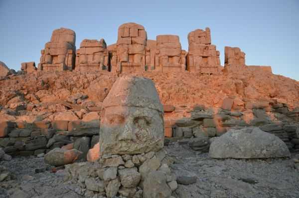 Гора Немрут даг в Турции
