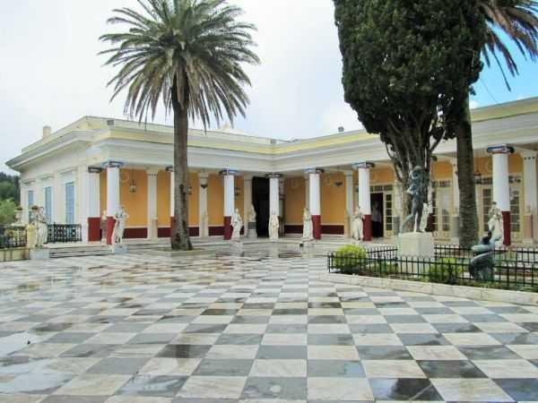 дворец на Корфу