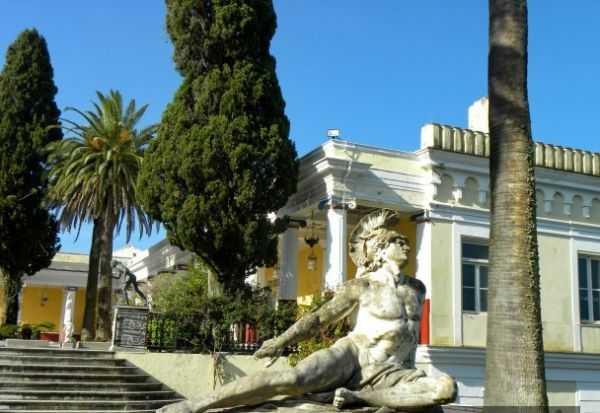 Ахиллион — дворец на Корфу в Греции