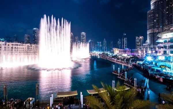 Музыкально-световое великолепие: фонтан «Дубай»