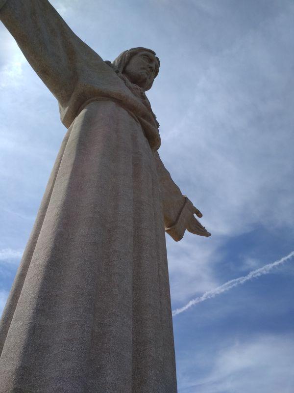Статуя Христа в Лиссабоне. Как португальцы соперничали с Рио