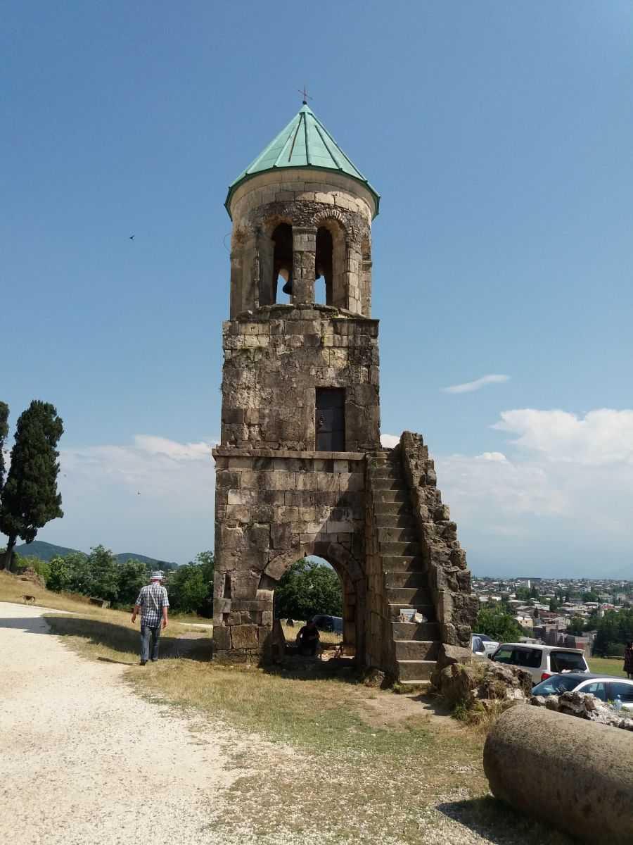 Кутаиси – древняя столица Грузии и живописные окрестности