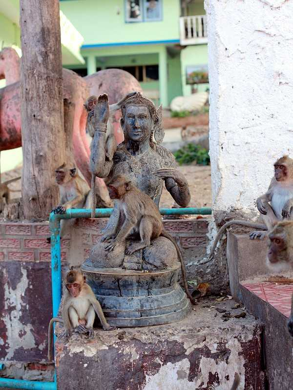 храм Ват Кхао Такиаб