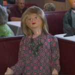 В США в кафе работают, но кое где сидят куклы