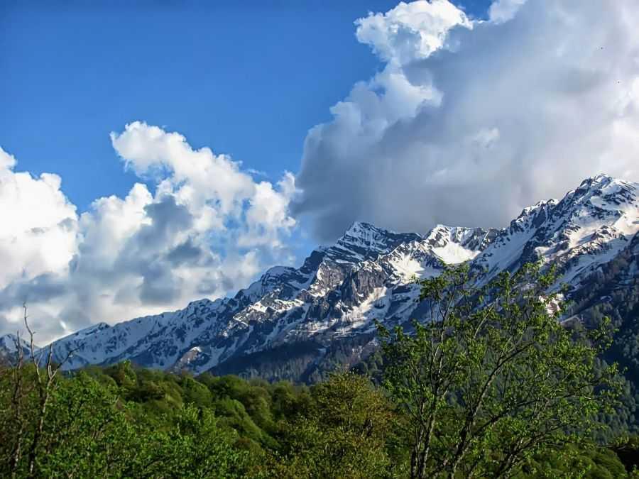 горы у Красной Поляны