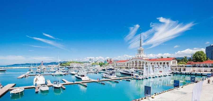 Морской порт Сочи. Одна из главных достопримечательностей города