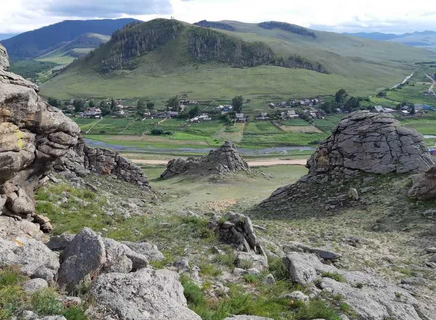 Сувинский Саксонский замок в Баргузинской долине