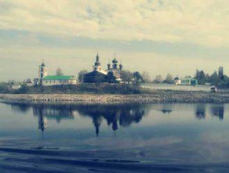 Село Горицы. Печаль цариц, кинематографичность ландшафта, омолаживающая вода Сиверского озера